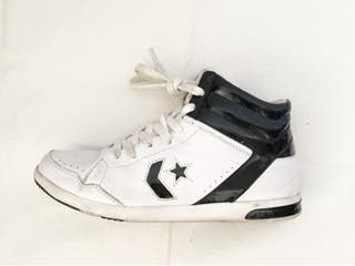 Converse Lady Weapon Sneakers