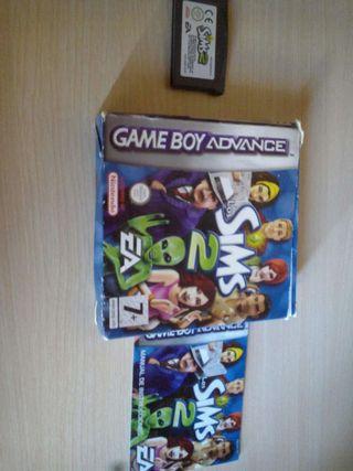 Juego Los Sims 2 para gameboy con caja e instrucciones