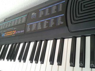 Organo electrónico CTK80