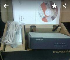 Router Wifi con cable de red Thomson