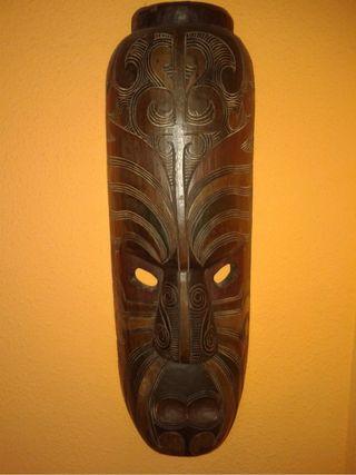 Mascara Moai