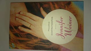 """Libro. Novela """"Pequeños Contratiempos"""" de Jennifer Weiner."""
