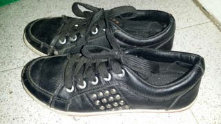 Zapatos con taches perfecro estado talla 37-38