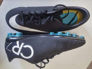 Botas de fútbol cr7.... N*37'5