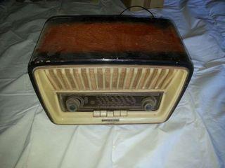 Radio antigua Telefunken Adagio la de mi abuelo