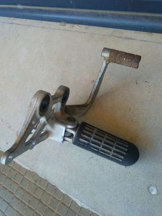Estribera y pedal freno Honda CBR 1000 F