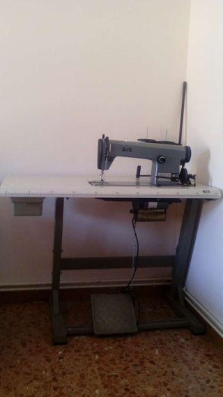Maquina de coser automatica semiprofesional modelo 157 ALFA