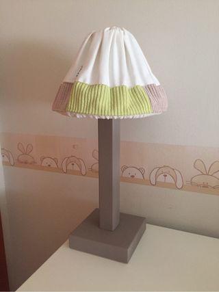 Lámpara y cesta para habitación infantil