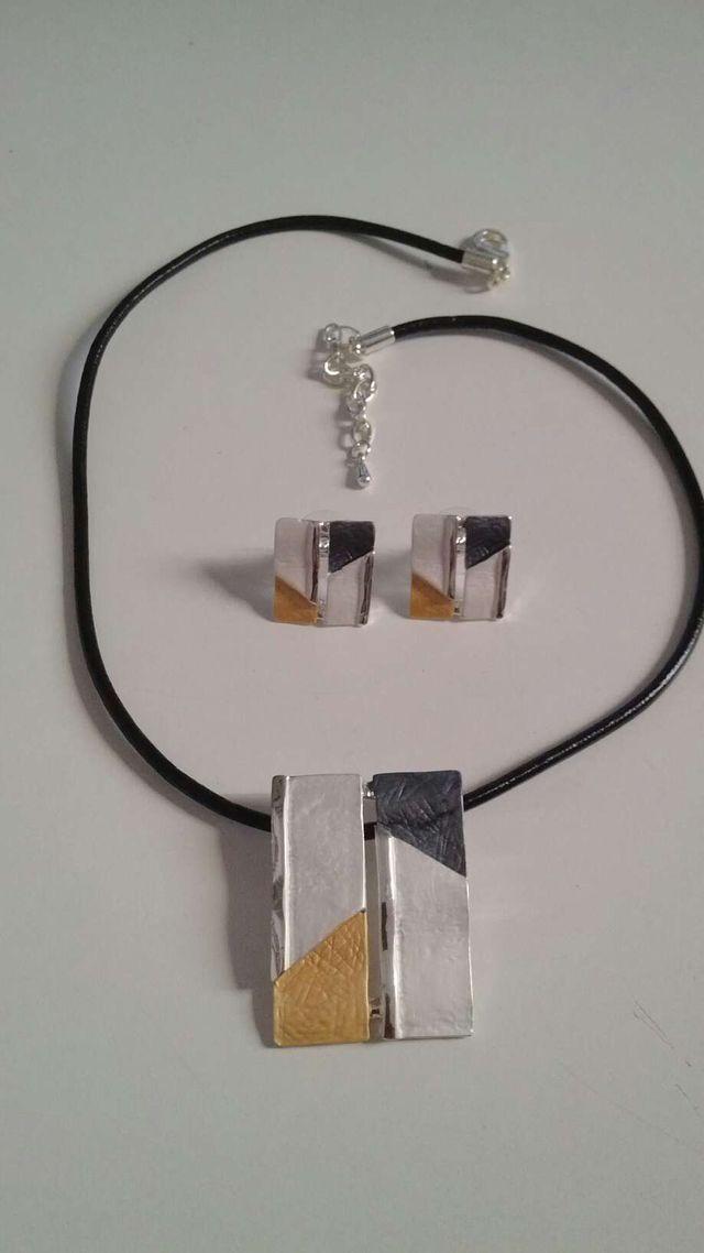 Conjunto collar y pendientes