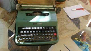 Máquina de Escribir Olivetti Antigua