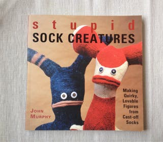 Libro muñecos de calcetines