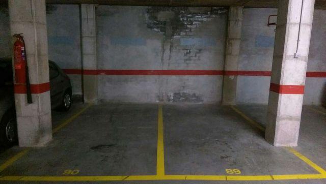 Venta Dos Plazas de Parking Muy Grande en Poblenou