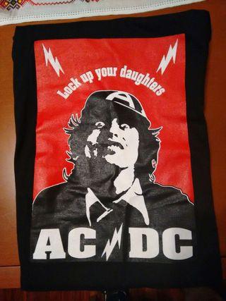 Camiseta AC/DC: Lock up your daughters. Talla L