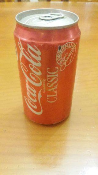Antigua lata de cocacola