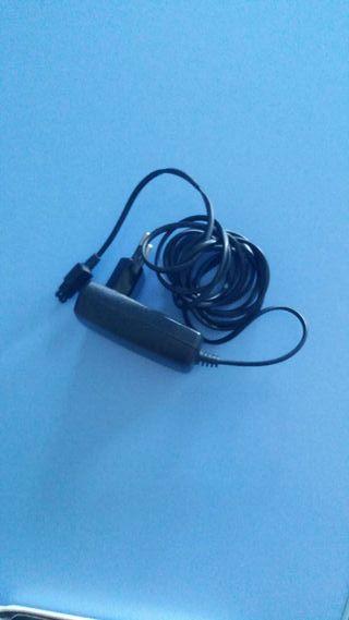 Cargador Sony Ericsson K700i.