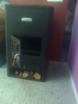 Estufa de leña calefactora para radiadores