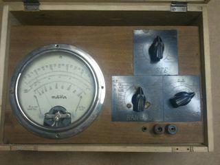 Polimetro antiguo vintage