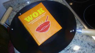 Wok y libro de recetas