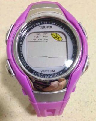 Reloj Digital Rosa en perfecto estado