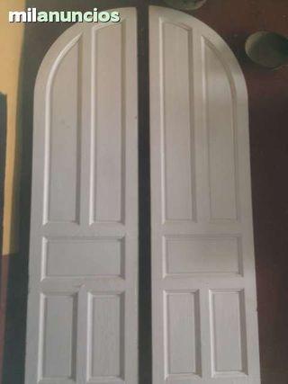 Puerta de madera.