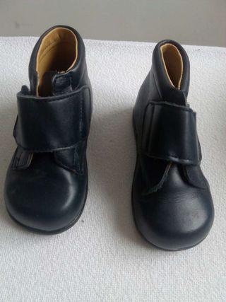 Zapatos bota num 21 piel