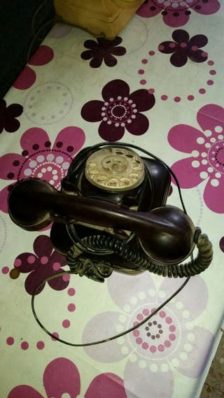Telefono vaquelita negro en muy buen estado