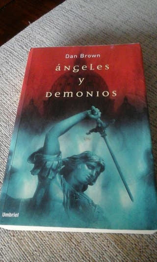 """Angeles y demonios"" autor Dan Brown"