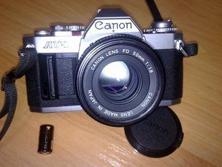 VENDO CAMARA DE FOTOS REFLEX AV-1