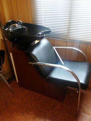 Lavacabezas con sillon y mueble incorporado