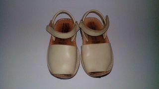 Zapatos avarcas 25