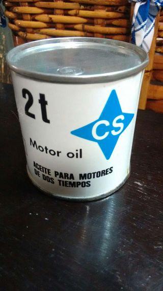 Lata de aceite antigua