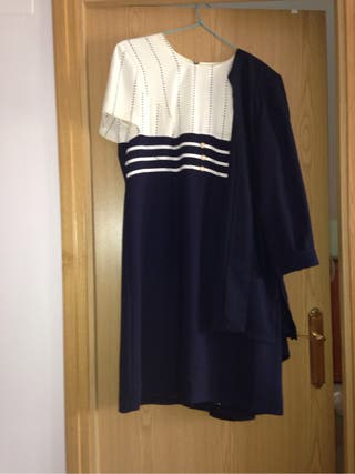 Vestido De Manga Corta Con Evita