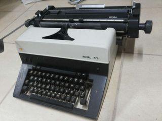Máquina de escribir años 70