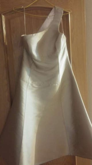 Alquilo vestido de Adolfo Domínguez
