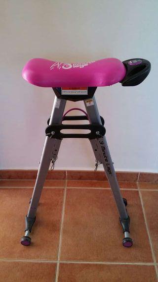 Maquina de ejercicio gluteos y piernas