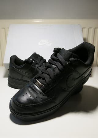 Nike Air Force I Negras