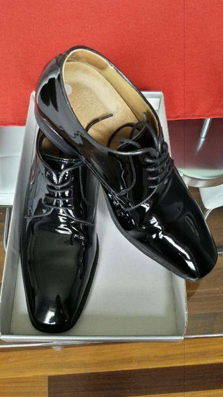 Zapatos de ceremonia con alzas
