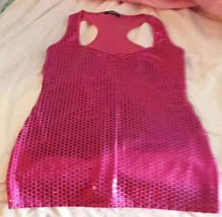 Camiseta rosa brillantes