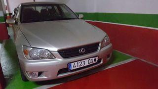 Vehiculo Lexus IS 200 gasolina