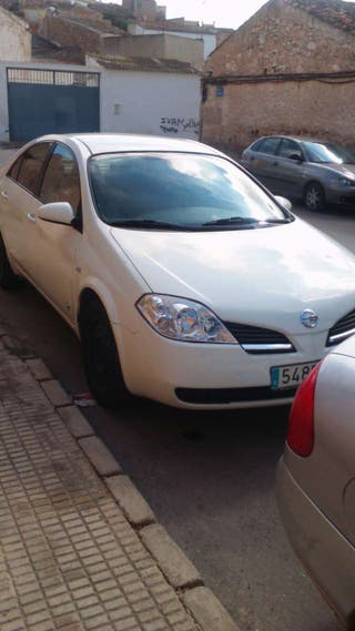 Nissan primera del 2002 todos los estras itv bien diesel