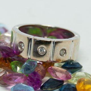 6100114ac33b Anillo diamantes de segunda mano en la provincia de Sevilla en WALLAPOP