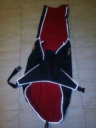 Abrigo impermeable de baasgalgo talla M 60cm largo hasta la cola
