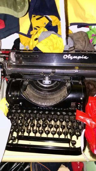 Máquina de escribir olympia_mod 8