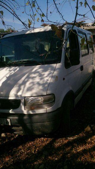Ooferrrtoonnnn furgoneta de 9 plazas .