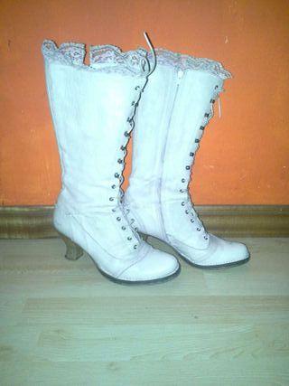 Botas piel blancas