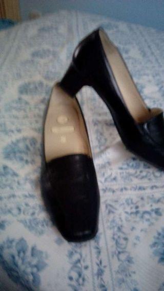 Zapatos anchos especiales