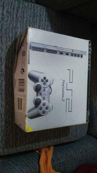 PlayStation 2 +3 juegos+3 mandos+2 micros y memory stick