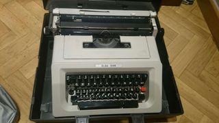 """Máquina de escribir olivetti """" ELSA 1246"""