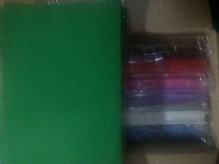 Caja con hojas tamaño 40x35 de goma eva varios colores