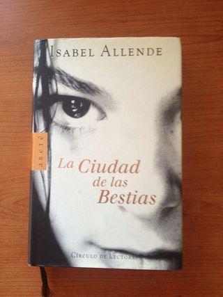 """Libro """"La ciudad de las Bestias"""""""